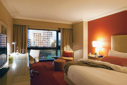Hotel-Irvine-Guest-Room